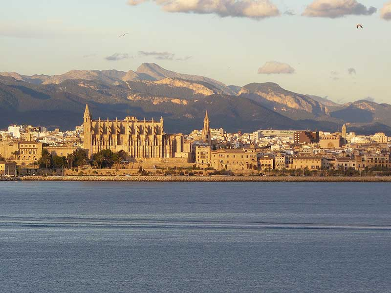 Cheap flights to Palma