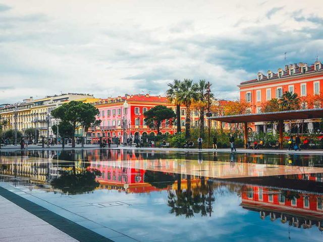 Last minutes cheap flights deals to Nice from London UK