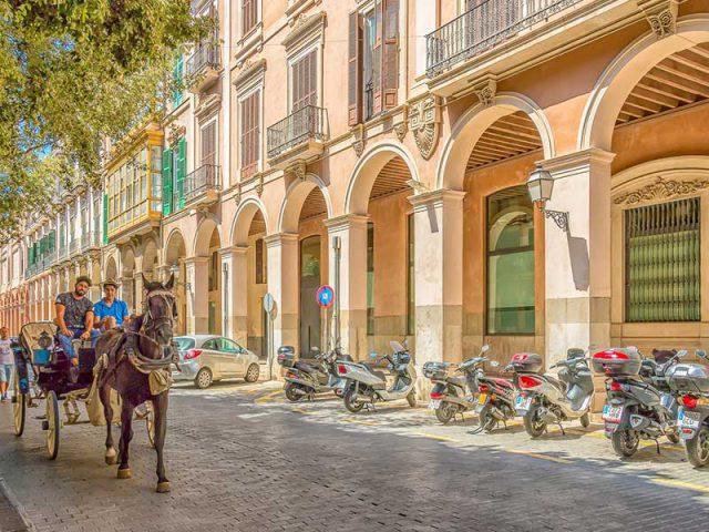 Last minutes cheap flights deals to Palma Mallorca from London UK