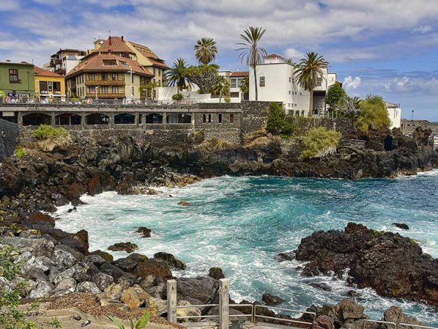 Last minutes cheap flights deals to Tenerife from London UK