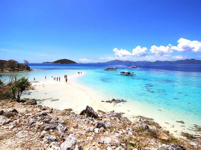 Last minutes cheap flights deals to Palawan from London UK