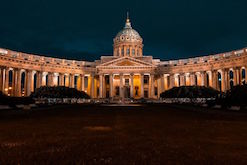 https://www.flightspro.co.uk/wp-content/uploads/2019/10/St-Petersburg-package.jpg
