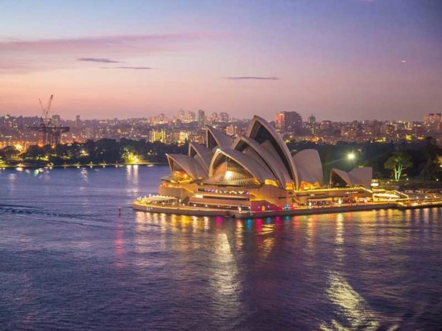 Last minutes cheap flights deals to Australia from London UK