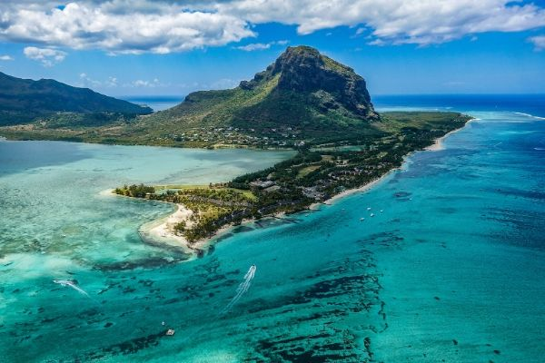 https://www.flightspro.co.uk/wp-content/uploads/2019/12/mauritius.jpg