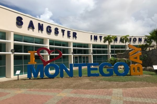 https://www.flightspro.co.uk/wp-content/uploads/2019/12/top-free-things-to-do-in-montego-bay-.jpg