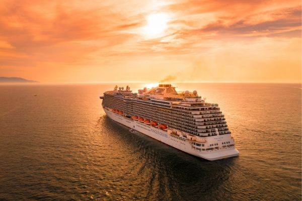 https://www.flightspro.co.uk/wp-content/uploads/2020/01/How-to-get-the-Cheapest-Cruise-Deals.jpg