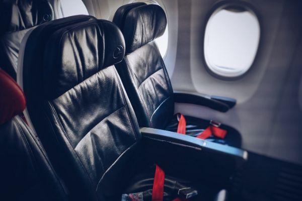 https://www.flightspro.co.uk/wp-content/uploads/2020/01/last-minute-travel-secrets.jpg