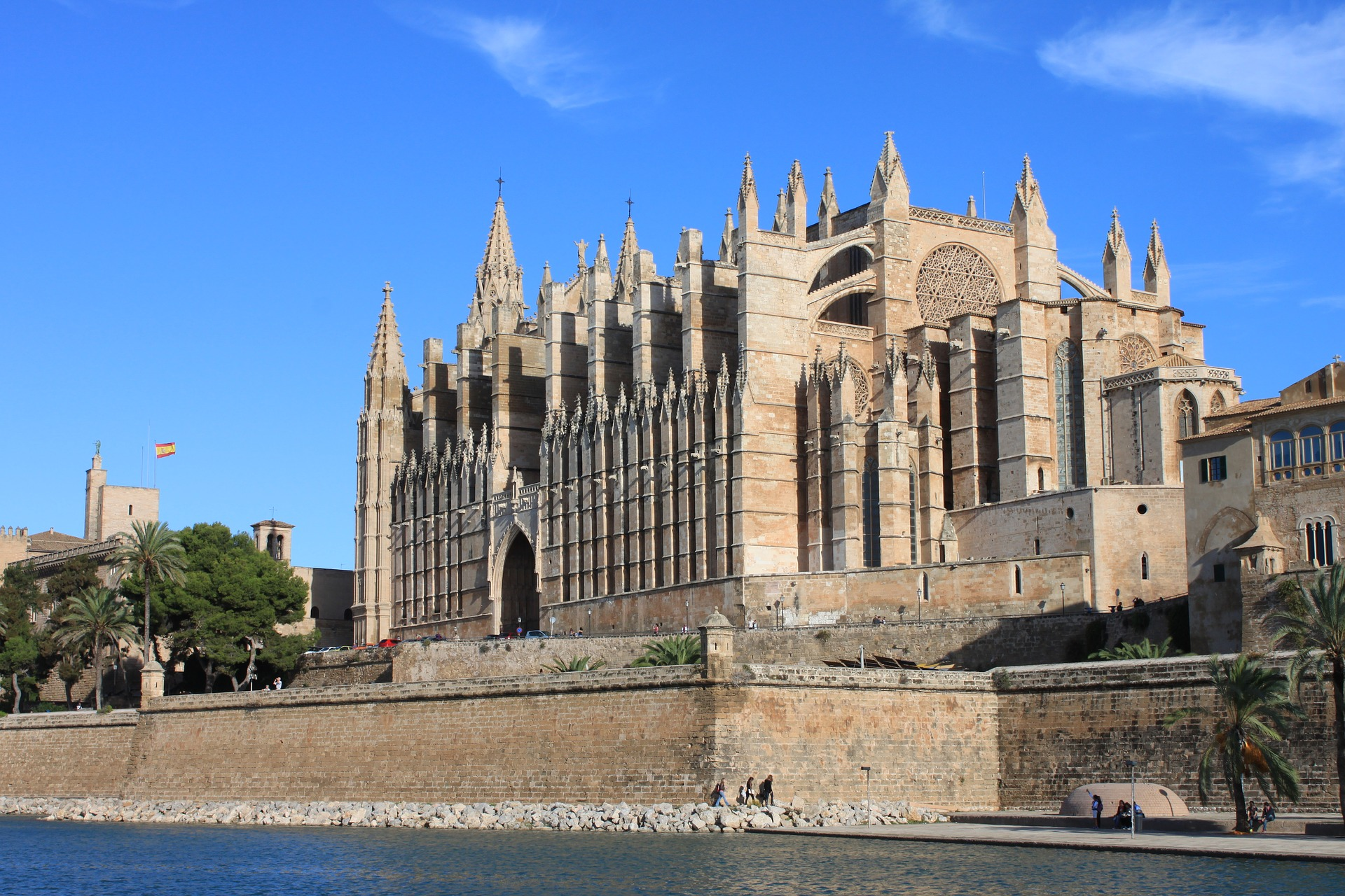 Business Class flights deals to Palma Mallorca from london uk