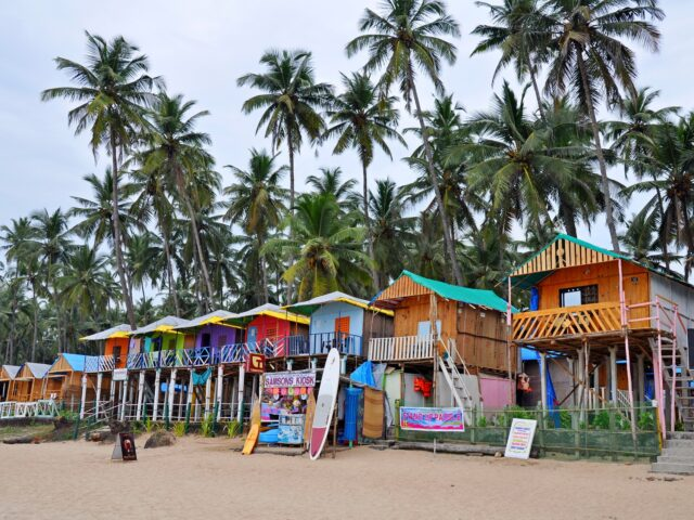 Last minutes cheap flights deals to Goa from London UK
