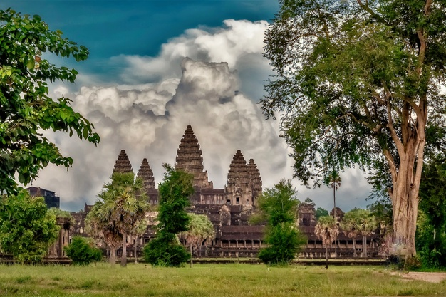 Business Class flights deals to Cambodia from London UK